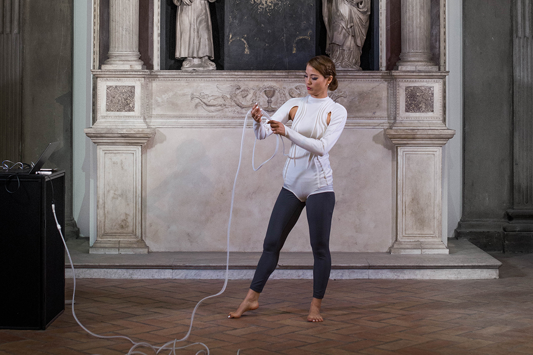 Dancer with generative sound at V&A